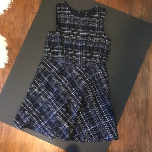 Banana Republic Dresses & Skirts - Banana Republic navy plaid sleeveless summer shift